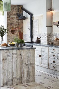 The ultimate rustic kitchen😍 Use our European Pine Cladding boards to recreate this timber cladded kitchen look! Add a splashback of tiles to enhance your modern/rustic design featured kitchen! European Pine Cladding Decorative tiles from a tile! Home Decor Kitchen, Rustic Kitchen, Kitchen Design, Reclaimed Kitchen, Shaker Kitchen, Room Kitchen, Kitchen Ideas, Unique Tile, Modern Rustic Homes