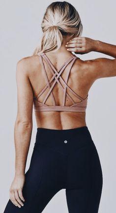 strappy back sports bra + yoga pants #fitspo