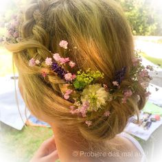 Ich durfte heute eine romantische Brautfrisur stylen ❤️❤️#probieredasmalaus #braut #brautfrisur #hochzeit #haare #hair #hairstyling #hairstagram #bridehair #bohemian #bohemianhair #blumen #flowerstagram #flowers #bridehairstyle #weddinghair #weddinghairstyle #romantisch #romantic #braid #dutchbraid #blumenimhaar