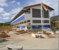 """Morel Rodríguez: """"La escuela Lourdes Rodríguez es un ejemplo de excelencia educativa"""" - http://www.leanoticias.com/2012/11/15/morel-rodriguez-la-escuela-lourdes-rodriguez-es-un-ejemplo-de-excelencia-educativa/"""