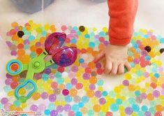 activite sensorielle perle d'eau Reggio, Parenting, Kids Rugs, Images, Board, Ideas, Montessori Activities, Water Beads, Kid Friendly Rugs