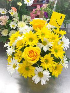 Daisy Arrangement #DundalkFlorist #Daisies