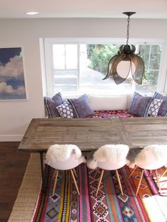 6 Ways to Style a Navajo Rug // Image via Apartment Therapy.