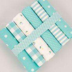 Fat quarter tissu bundle turquoise sur fond blanc - 100 % coton à rayures, carreaux, floral - couette jouet poupée patchwork coussin nid d'ange