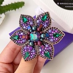 Bead Embroidery Patterns, Hand Embroidery Flowers, Bead Embroidery Jewelry, Fabric Jewelry, Hand Embroidery Designs, Bead Embroidery Tutorial, Beaded Embroidery, Beaded Jewelry Designs, Handmade Beaded Jewelry