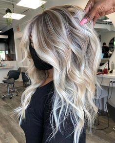 Platinum Blonde Balayage, Hair Color Balayage, Blonde Waves, Cool Blonde Balayage, Blonde To Balayage, Long Platinum Blonde, Blonde Hair Looks, Blonde Hair With Roots, Blonde Long Hair