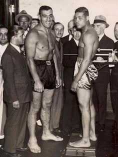June 1935 Joe Louis defeated Primo Carnera at Yankee Stadium. by minerva Boxing Gym, Boxing News, Boxing History, Art Of Fighting, World Heavyweight Championship, Joe Louis, Champions Of The World, Sports Personality, Boxing Champions