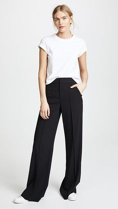 Business Casual Outfits For Women, Stylish Outfits, Fashion Outfits, Comfortable Fashion, Minimalist Fashion, Wide Leg Pants, Everyday Fashion, Style Me, Street Style