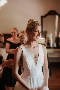 stunning classic bridal looks Bridal Photography, Bridal Looks, Classic, Beautiful, Fashion, Derby, Moda, Fashion Styles, Bridal Photoshoot