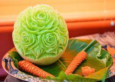 Frutta e verdura intagliata: l'arte del mukimono