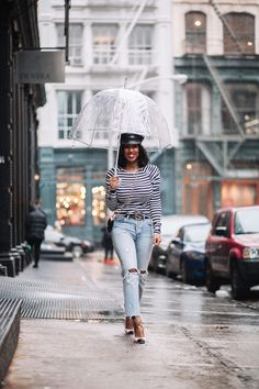 3 Reasons Why You should Buy Levi's Wedgie Jeans - TorontoShay Warm Outfits, Stylish Outfits, Spring Outfits, Fashion 101, Womens Fashion, Fashion Trends, Fashion Bloggers, Fashion Ideas, Fashion Inspiration