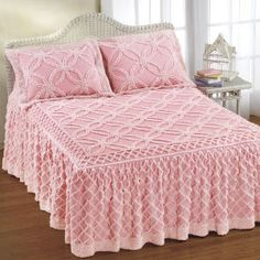 Pink Chenille bedspread- a good anchor for a shabby accessorized room Pink Chenille bedspread Ah yes, I remember it well this will give you pink dust bunnies under the bed,lol Shop for New today at Country Store. I had one of these as a child and would L Shabby Chic Pink, Shabby Chic Cottage, Shabby Chic Style, Vintage Bedspread, Chenille Bedspread, Linens And Lace, Pink Room, Everything Pink, Beautiful Bedrooms