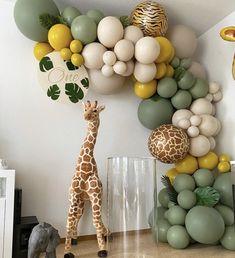 Photo by Stunning Baby Shower Inspo 😍🎉 on May Baby Boy 1st Birthday Party, Jungle Theme Birthday, Birthday Goals, Ideas Decoracion Cumpleaños, Deco Ballon, Birthday Balloon Decorations, Safari Party Decorations, Balloon Garland, Balloon Party