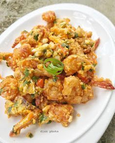 Resep Udang Krispi Saus Telur Asin By Prawn Recipes, Chicken Recipes, Upma Recipe, Malay Food, Indonesian Cuisine, Cooking Recipes, Healthy Recipes, Healthy Food, Malaysian Food