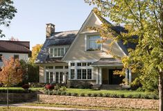 Architects—Kenwood Shingle Style Cottage: This house is in an established area of beautiful old homes, and was named Best in Show at the 2016 BLEND Awards—a competition recognizing projects that blend harmoniously with the neighborhood. Types Of Houses, Big Houses, Farm Houses, Dream Houses, Traditional Porch, Traditional Exterior, Traditional Kitchen, Modern Farmhouse Exterior, Dream House Plans