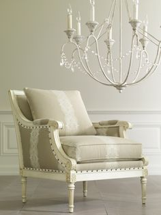 May we adore this Fairfax chair for a moment? Mais oui!