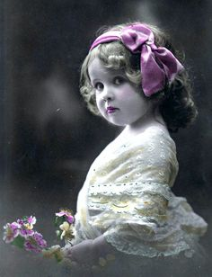 Vintage Postcard ~ Little Sweetie Photo Vintage, Look Vintage, Vintage Girls, Vintage Beauty, Vintage Prints, Vintage Art, Vintage Children Photos, Vintage Pictures, Old Pictures