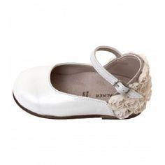 Παπούτσια βαπτιστικά από εκρού δερματίνη και δαντέλα λουλουδάκι στη φτέρνα, ανατομικά, BABYWALKER. Ελληνικής παραγωγής. Mary Janes, Flip Flops, Sandals, Sneakers, Shoes, Fashion, Tennis, Moda, Shoes Sandals