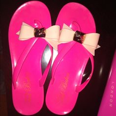 7bc87904746860 Shop Women s Ted Baker size 6 Sandals at a discounted price at Poshmark.