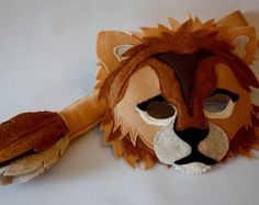 Adorable Shafer Lion Mask and Tail costume set from Hunting Faeries on Etsy. I bought the Xander fox set for my Halloween costume (Ash from Fantastic Mr Fox) and absolutely love it! Felt Crafts, Kids Crafts, King Costume, Lion Mask, Le Roi Lion, Animal Masks, Childrens Party, Pretend Play, Mask For Kids