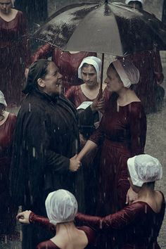 The Handmaid's Tale Season 2 Ann Dowd and Elisabeth Moss Image 2 Elisabeth Moss Handmaid's Tale, Elizabeth Moss, The Handmaid's Tale Book, Handmaid's Tale Tv, Handmaids Tale Quotes, A Handmaids Tale, Series Movies, Movies And Tv Shows, Tv Series