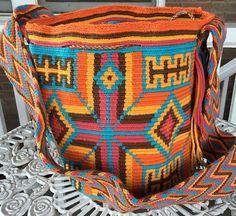 Wayuu Bag Mochila Hand Woven Ship Worldwide 163 by theblissfulcat Tapestry Crochet, Crochet Handbags, Messenger Bags, Diaper Bag, Hand Weaving, Diy Crafts, Gift Ideas, Knitting, Pattern