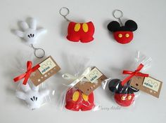 Disney Diy, Disney Crafts, Mickey E Minnie Mouse, Fiesta Mickey Mouse, Mickey Party, Mickey Mouse Birthday, Felt Crafts Diy, Clay Crafts, Crea Fimo