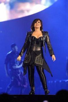 Demi Lovato: DEMI World Tour