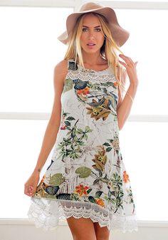 Pretty model wearing pastoral print shift dress
