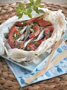 So easy to make, so great to taste! Pair it with a glass of ouzo or raki! Greek Recipes, Fish Recipes, Seafood Recipes, Cooking Recipes, Recipies, Greek Meze, Greek Appetizers, Salty Foods, How To Cook Fish