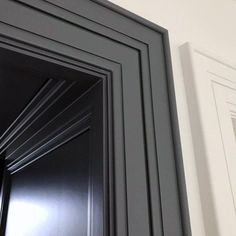 From flush modern moldings to classic ornate casings, discover the top 50 best interior door trim ideas. Explore unique mill work designs for your home. Doors Interior, Painting Trim, Interior Paint, Door Design, Interior Door Trim, Garage Door Trim, Colorful Interiors, Painted Doors, Modern Door