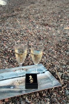 """Tray """"Lada"""" by Camilla Edfors, ring """"Nok"""" by JohannaN at Nordic Design Collective. Nordic Design, Ocean Life, Photo Shoots, Poster Wall, Camilla, White Wine, Scandinavian, Cool Pictures, Alcoholic Drinks"""