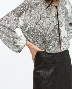 TASSELS PRINT BLOUSE WITH BALLON SLEEVES