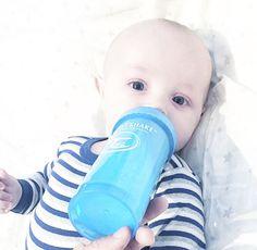Easy gripping design!  #twistshake #twisthakecookiecrumb #babies #preggo #dailyparenting