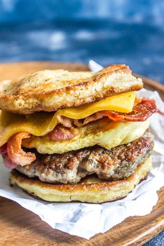 Keto Breakfast Sandwich (AKA Copycat Keto McGriddle) — Cast Iron Keto This is the BEST Keto Breakfast Sandwich that's tailored after the ever famous McGriddle from McDonalds. Sugar Free Breakfast, Best Keto Breakfast, Breakfast Recipes, Breakfast Sandwiches, Recipes Dinner, Keto Foods, Low Carb Keto, Low Carb Recipes, Healthy Recipes
