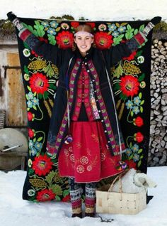 folkloric and colourful - Muhu-style by Gudrun Sjöden .Estonia