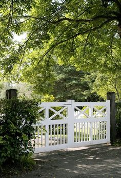 White picket fence styles