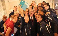 Danilo Medida recibió la Selección Nacional de Voleibol, que obtuvo Medalla de Oro en la culminación del Campeonato Mundial