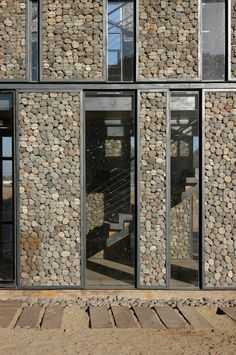 The Versatility of Gabion Walls, From Infrastructure to Urban Furniture,Metropolitan Park South Access / Polidura Talhouk Arquitectos. Design Exterior, Facade Design, Exterior Colors, Wood Architecture, Architecture Details, Architecture Diagrams, Architecture Portfolio, Gabion Wall, Stone Facade