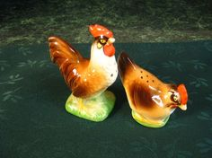 Vintage Salt and Pepper Shakers  Rooster & by SallysVintageKitchen, $25.00