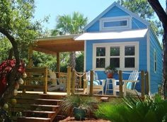 This is atinybeach cottage with twolofts and a spacious deck for outdoor living. Built by Tiny Hammock Cottages this tinyhouse has even been featured on FYI's Tiny House Huntingshow! As …