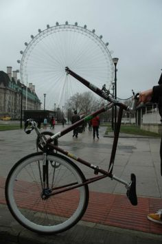 Forced Perspective: The London Eye Bike Edition