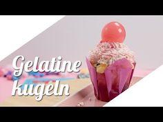 So kann man Kuchen und Cupcakes mitSeifenblasen oder Kaugummi dekorieren. Wir zeigen euch wie man die Kugeln in allen Farben und Formen selber machen kann.