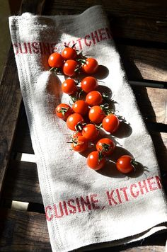 KITCHEN RED French country 4 Linen Towels/ shabby chic by