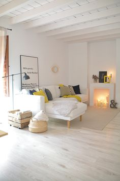 The Nordic style loft in Yaiza: via La Garbatella - Nordic Living Room, Living Room Modern, Home Staging, Style Salon, Loft Stil, Loft Interiors, Nordic Style, Trends, Interior Design Living Room