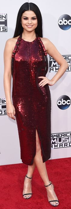 Selena Gomez wearing a red sequin Givenchy dress paired with Jimmy Choo shoes 2015 AMA's American Music Awards, Red Sequin Dress, Pink Dress, Selena Gomez Curly Hair, Justin Bieber And Selena, Red Carpet Fashion, Black Sequins, Fashion Advice, Nice Dresses