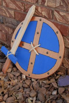Wooden Shield and Sword Woodworking Projects For Kids, Wooden Projects, Wood Crafts, Wooden Diy, Handmade Wooden, Toy Art, Homemade Toys, Wood Toys, Diy Toys
