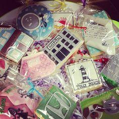 Send your BFF a dozen cookies decorated with fun memories. Love this idea {thanks Lauren McKinsey!}