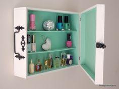 de caja de vinos a armario Small Shelves, Wood Shelves, Storage Shelves, Shelving Ideas, Furniture Makeover, Diy Furniture, Indoor Swing, Diy Garden Decor, Dresser Drawers