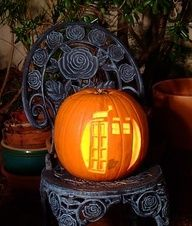 Check out these awesome Doctor Who Pumpkins Tardis pumpkin Dr. Who Pumpkin Dr Who Tardis Pumpkin Holiday Crafts, Holiday Fun, Winter Holiday, Holiday Decorations, Holiday Ideas, Fall Winter, Doctor Who, Holidays Halloween, Halloween Fun